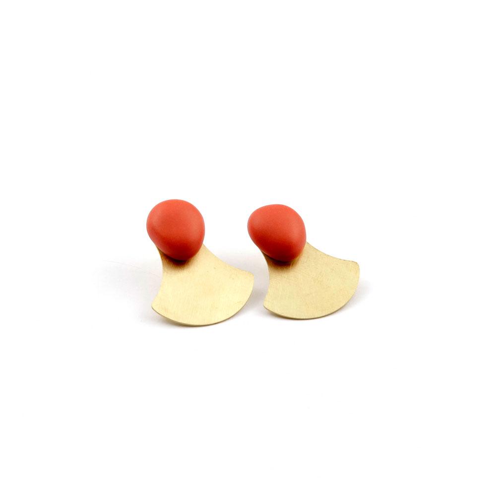 pendiente-porcelana-coral-laton