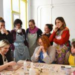 Foto sobre los cursos de cerámica de maria torne.