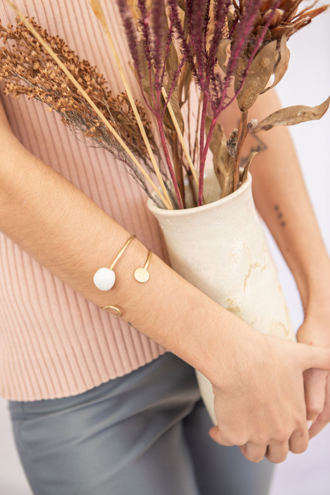 brazalete-joyeria-ceramica-blanco-1
