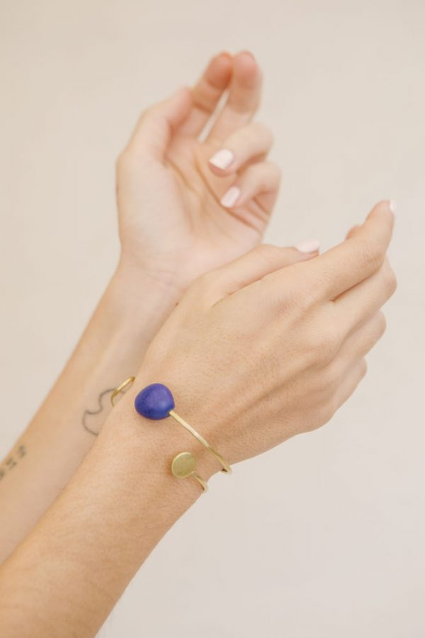 brazalete en cobalto Colección Calder