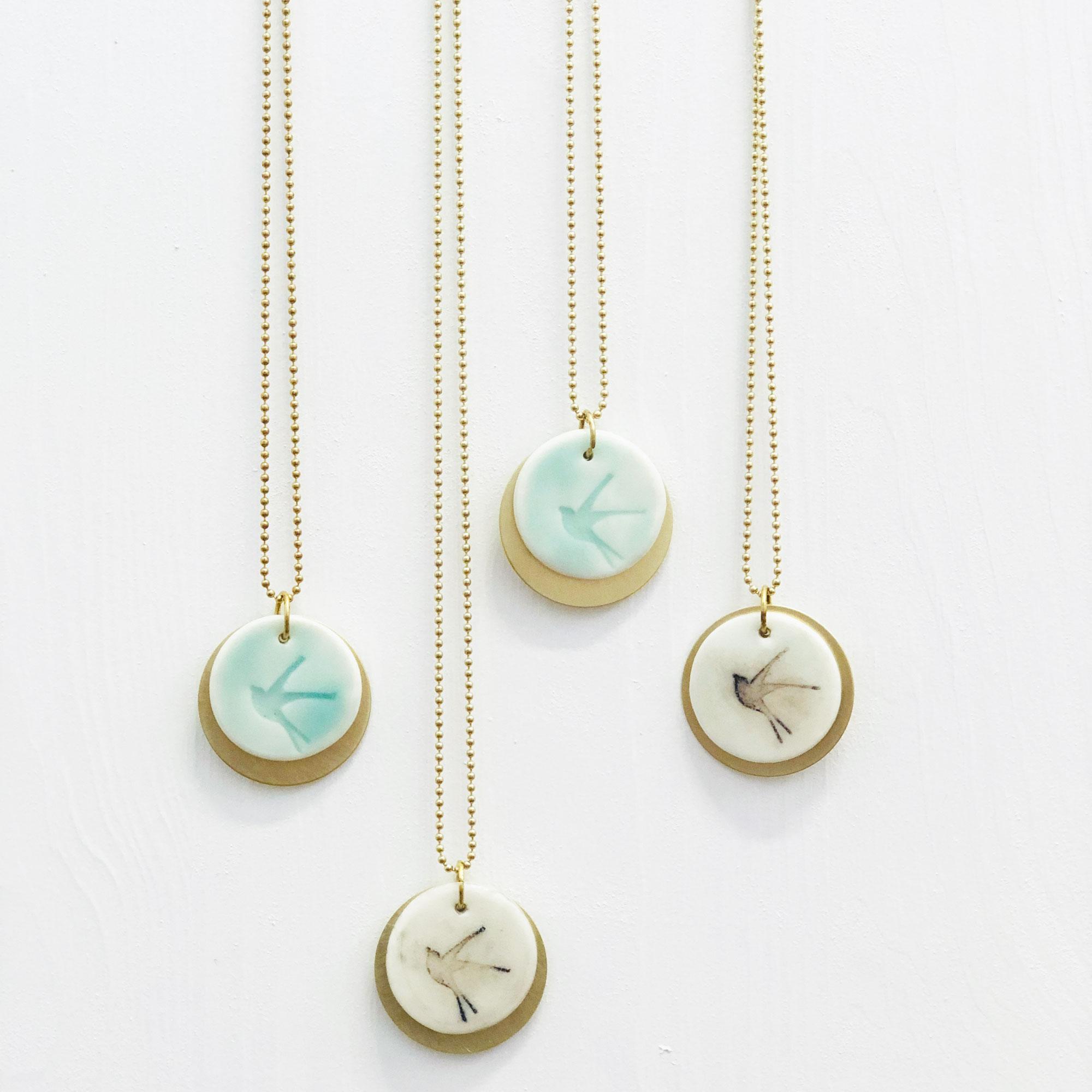 collar-golondrina-ceramica-1
